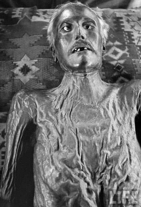 David E George Mummy 3 1937 Boothiebarn