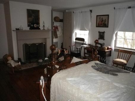 Spangler bedroom Mudd House