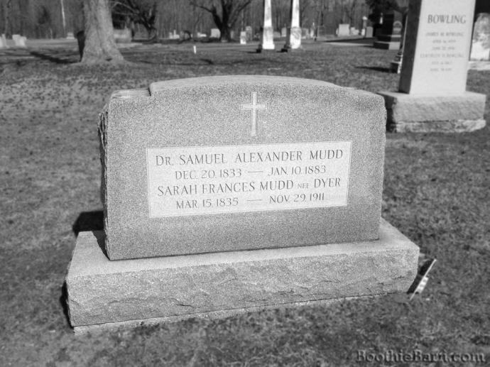 Mudd B&W Grave