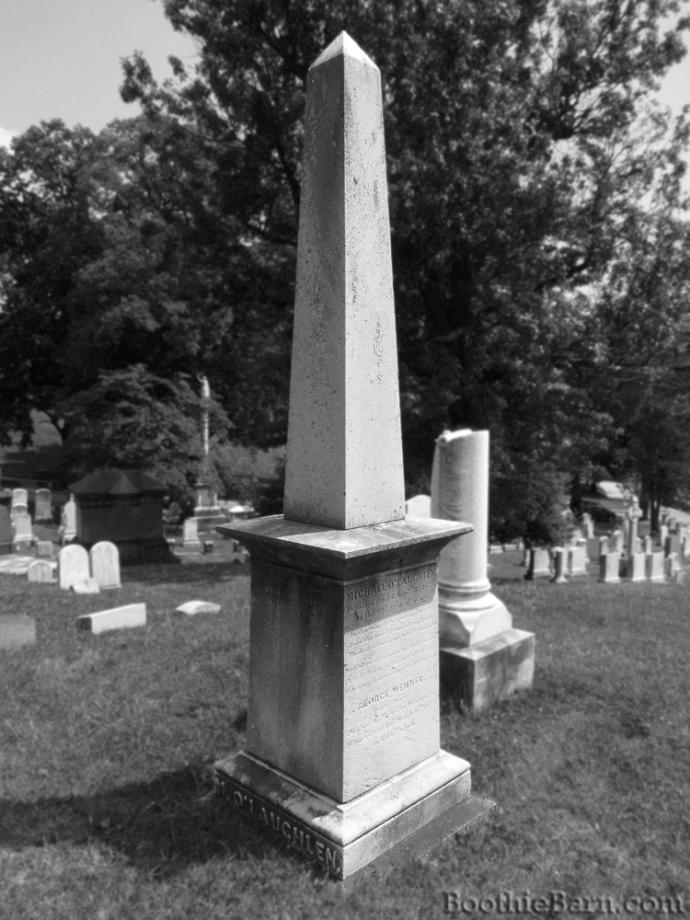 O'Laughlen B&W Grave