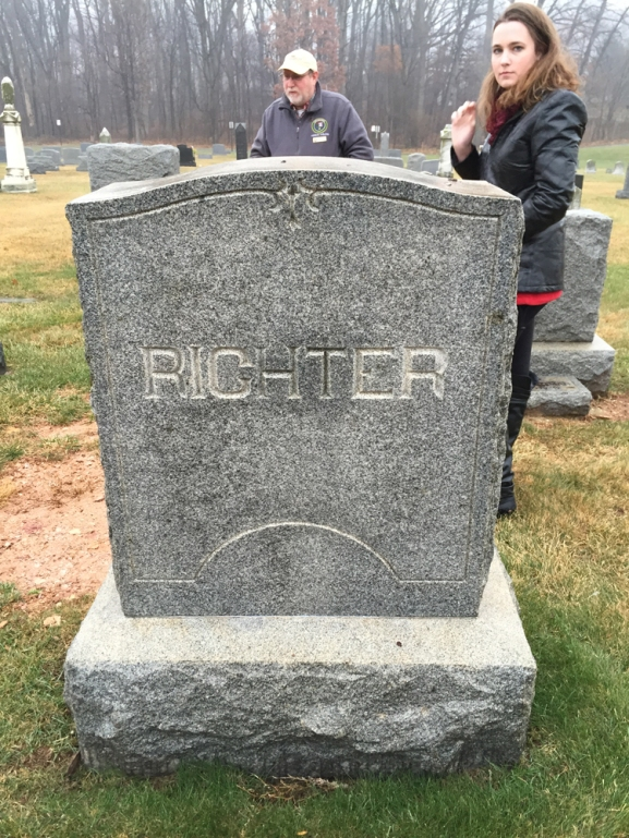 hartman-richters-grave-1-3-2015