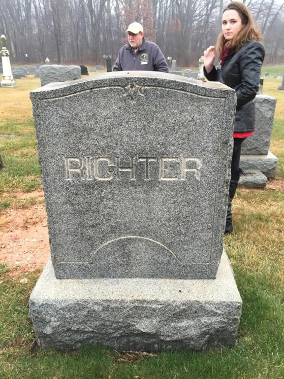 hartman-richters-grave-1-3-2015