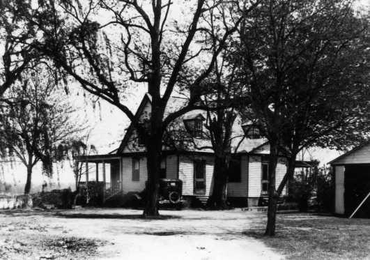 dr-urquharts-home-circa-1930